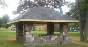 Stone Shack on No. 5 Tee is Rebuilt!   (Sept. 2014)
